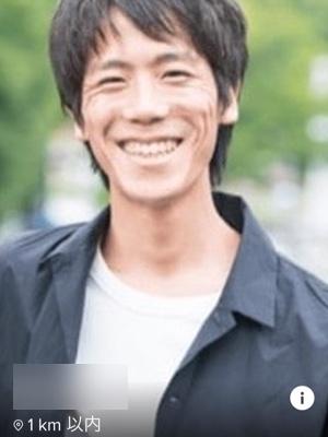 マッチングアプリの笑顔の写真